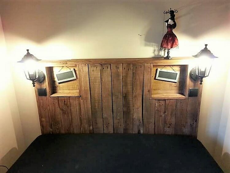 Pallet Headboard with Reading Lights