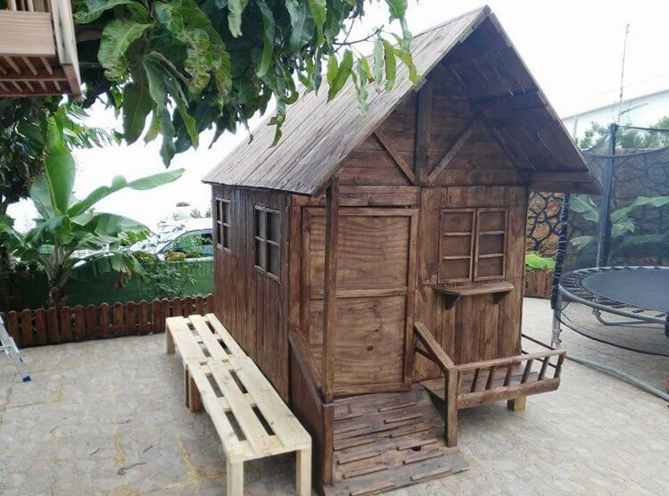 Diy wood pallet garden shed or cabin pallet wood projects for Name something you keep in a garden shed