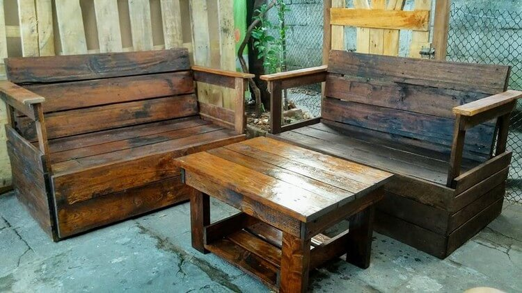 Pallet Patio Benches and Table