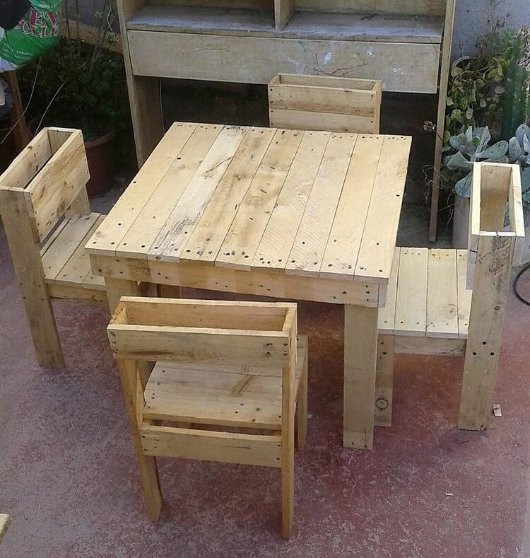 Pallet Table and Chairs Furniture Set