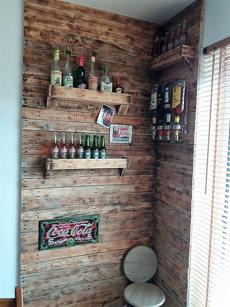 Wood Pallet Wall with Wine Racks