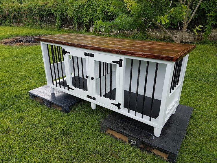 Wood Pallets Made Dog Kennel With Rebars Pallet Wood