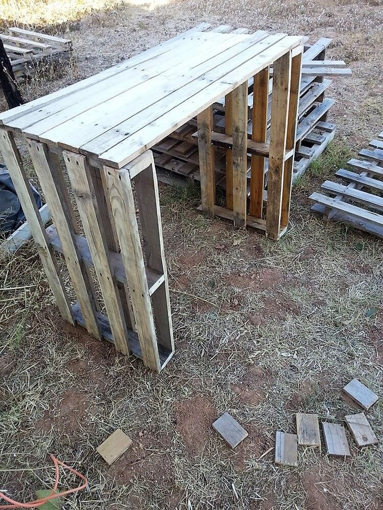 DIY Wood Pallet Tool Rack