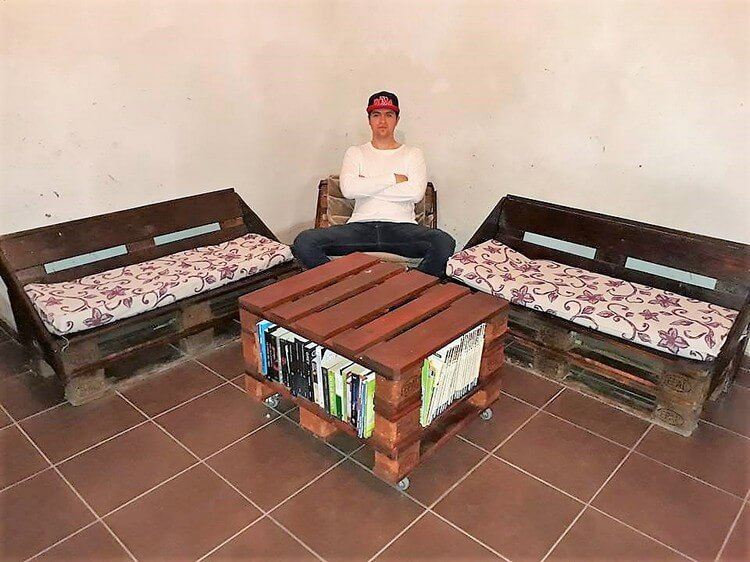 Pallet Benches and Table with Book Storage