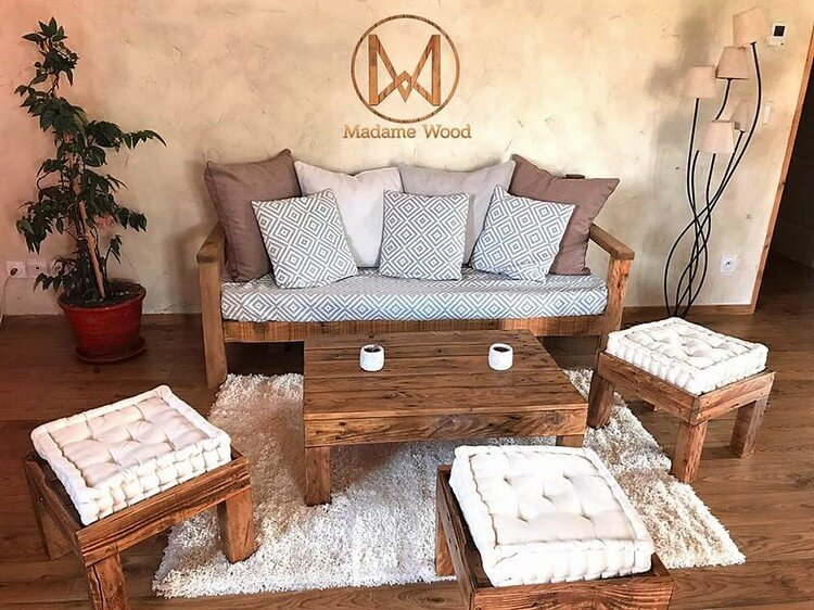 Pallet Couch, Seat and Table