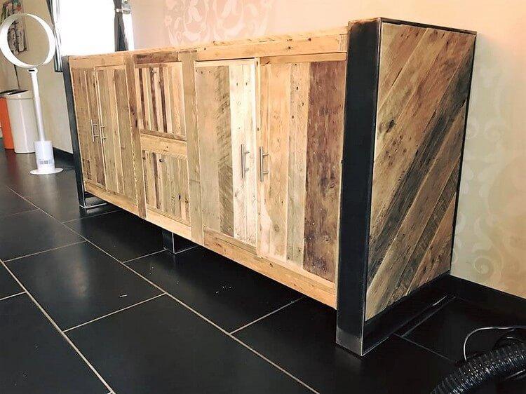 Pallet Entryway Table Idea