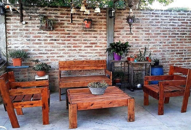 Pallet Furniture Set