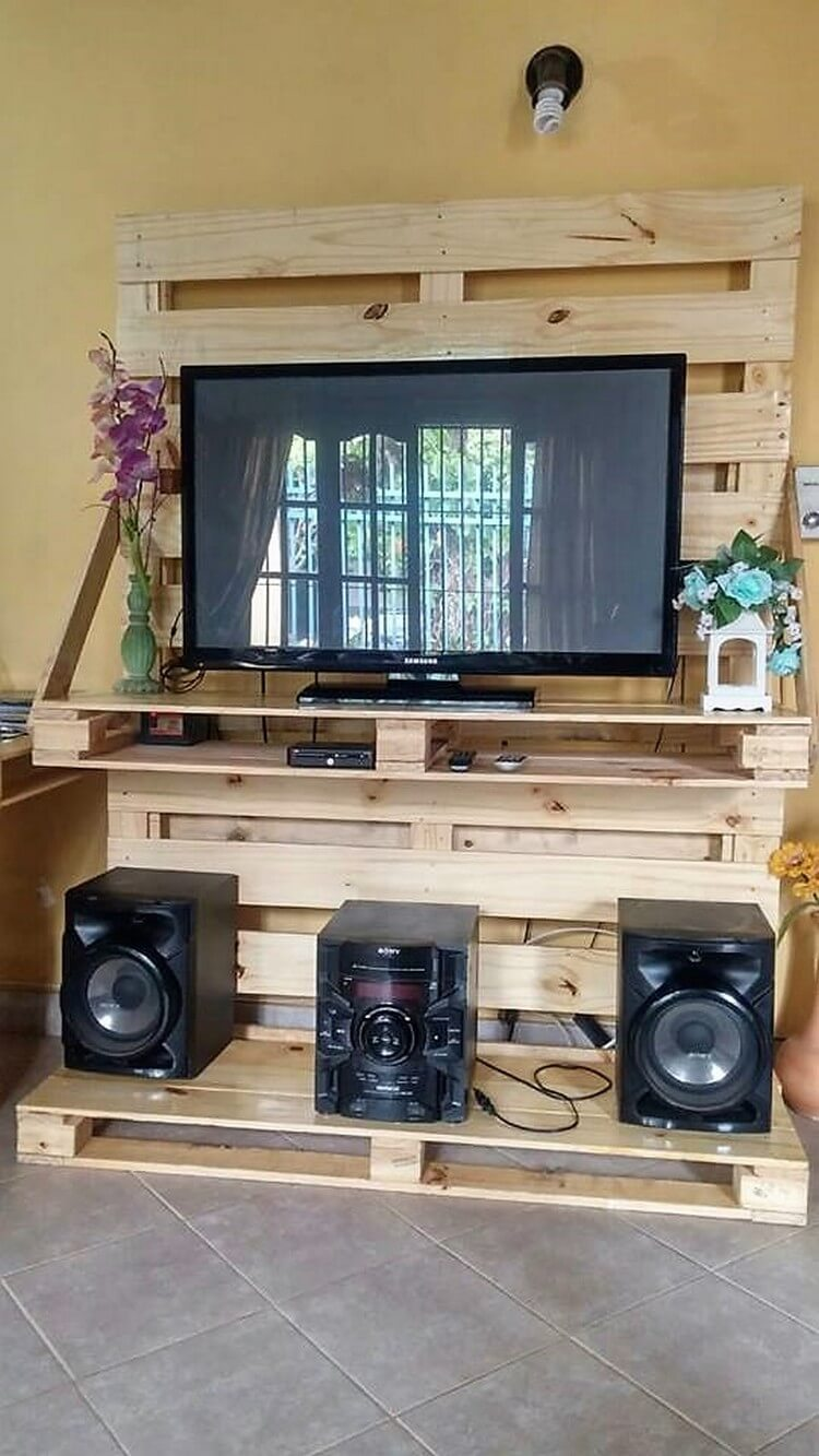 Pallet TV Stand Entertainment Center