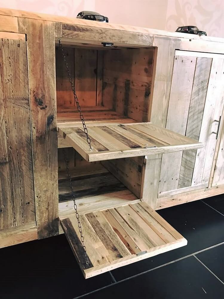 Recycled Wooden Pallet Entryway Table