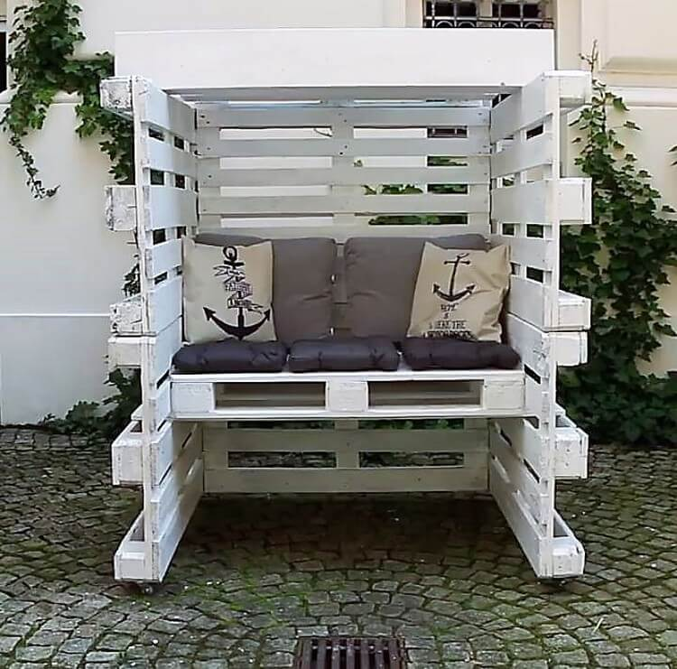 Pallet Eclosed Seating Area