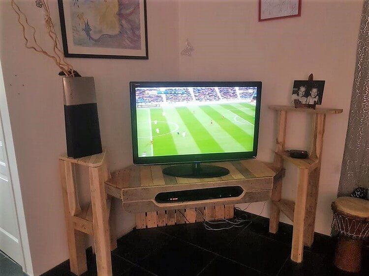 Pallet TV Stand Media Unit