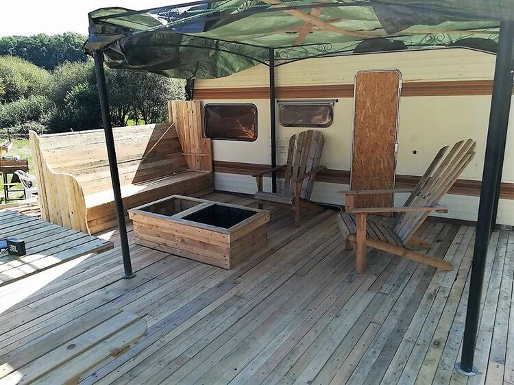 Pallet Terrace and Furniture Set