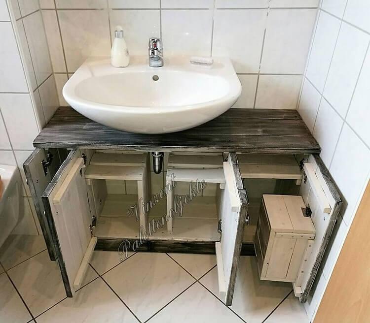 Pallet Toilet Sink with Storage