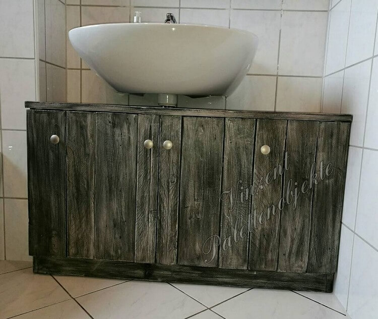 Pallet Toilet Sink