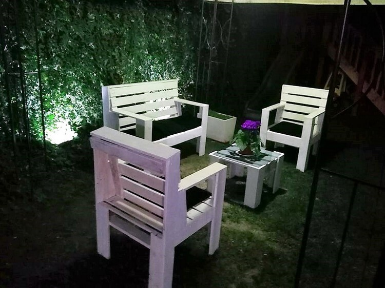 Pallets Garden Furniture Set
