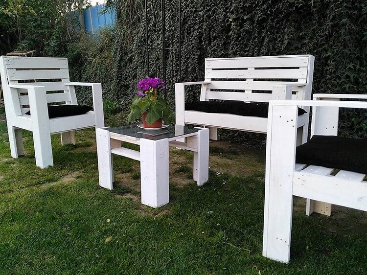 Pallets Made Garden Furniture Set