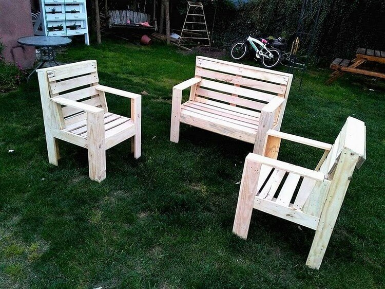 Recycled Pallet Garden Furniture Set
