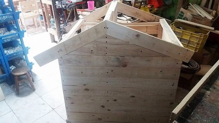 Recycled Wood Pallet Dog House