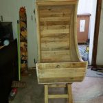Wood Pallets Half Moon Cradle Chair