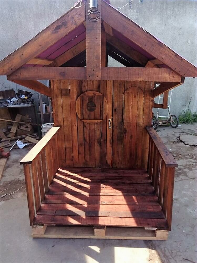 Wood Pallets Playhouse
