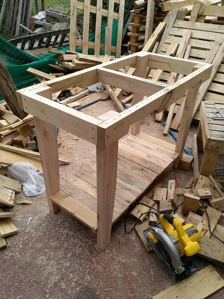 Wood Pallets Table