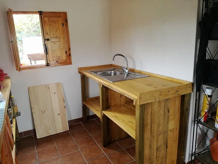Pallet Kitchen Sink