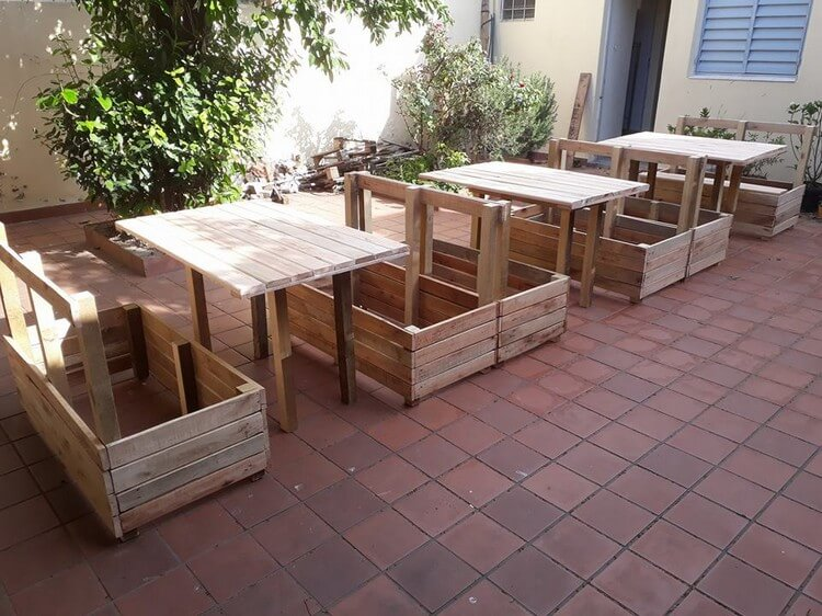 DIY Pallet Garden Furniture Plan