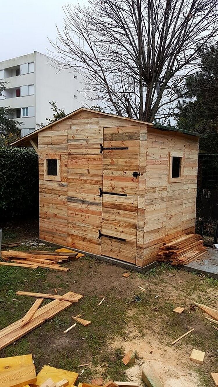 Diy wood pallet garden shed house cabin step by step for Shed project