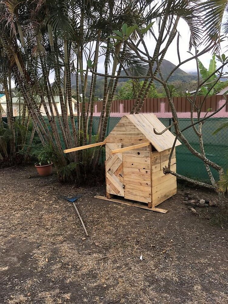 Pallet Garden Shed or Playhouse