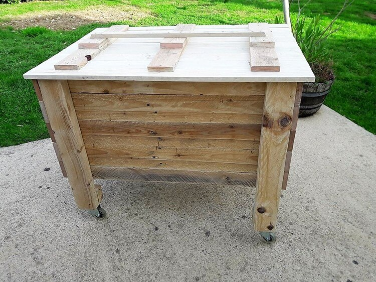 Recycled Pallet Storage Box