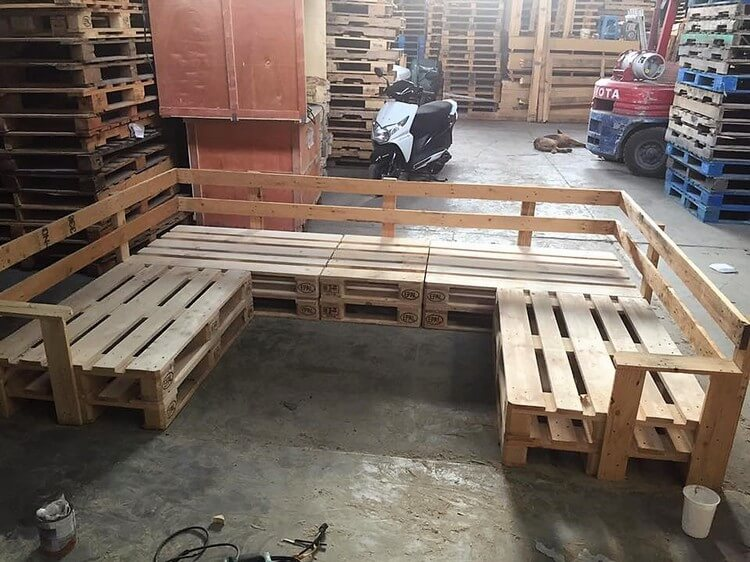 Recycled Pallet U Shaped Couch