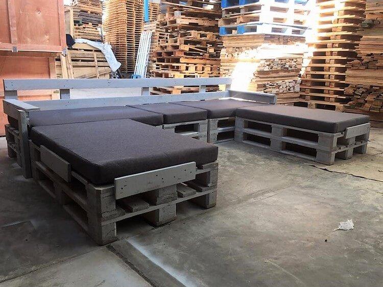 U Shaped Pallet Sofa