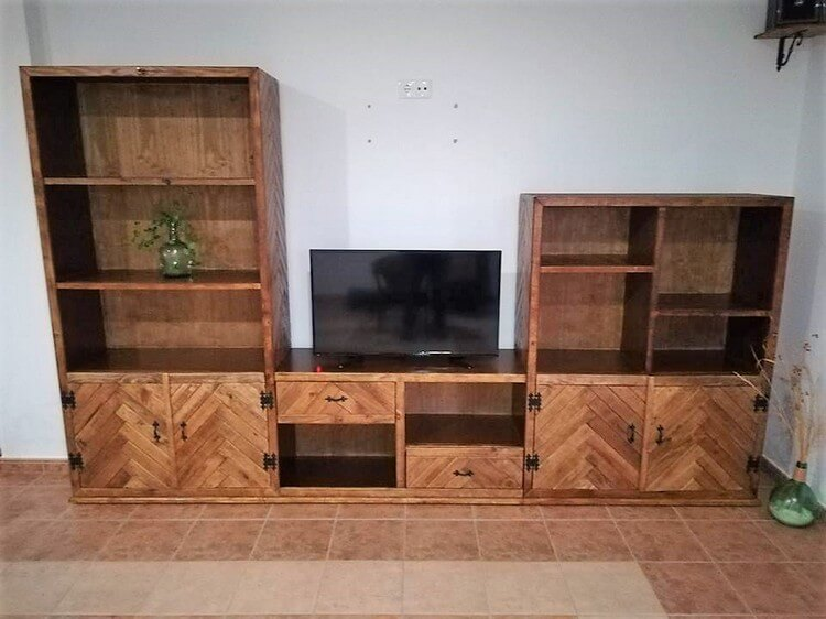 Pallet TV Stand with Cupboard