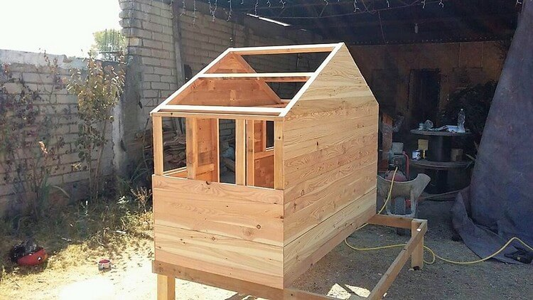 Wooden Pallet House