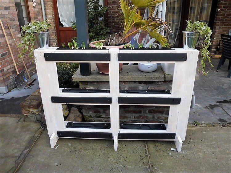 Wooden Pallet Planter Idea