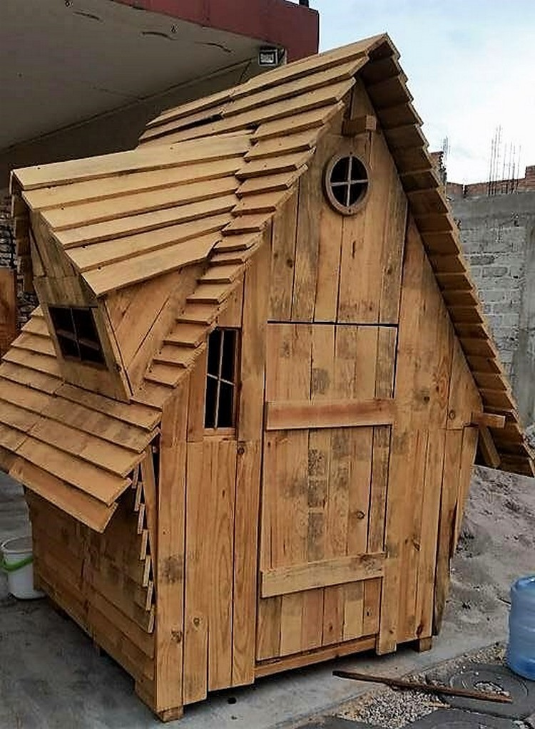 Wood Pallet Garden House