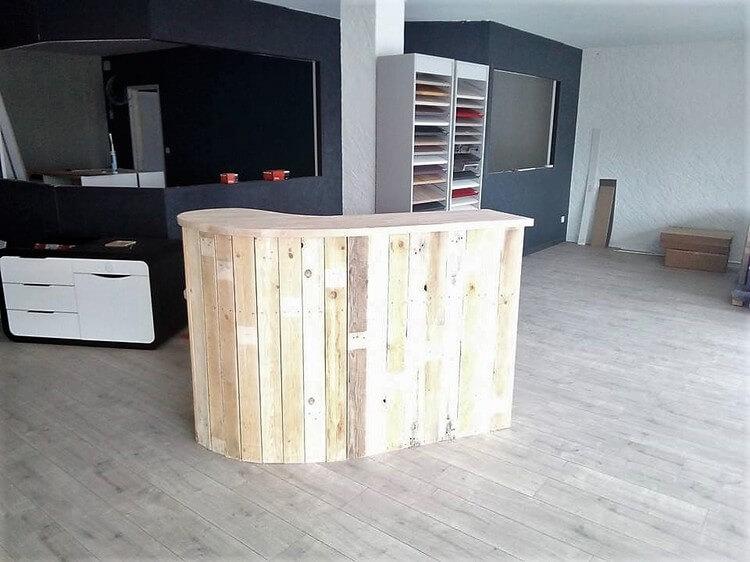 Wood pallet shop counter or reception desk pallet wood for Affordable bedroom furniture pretoria
