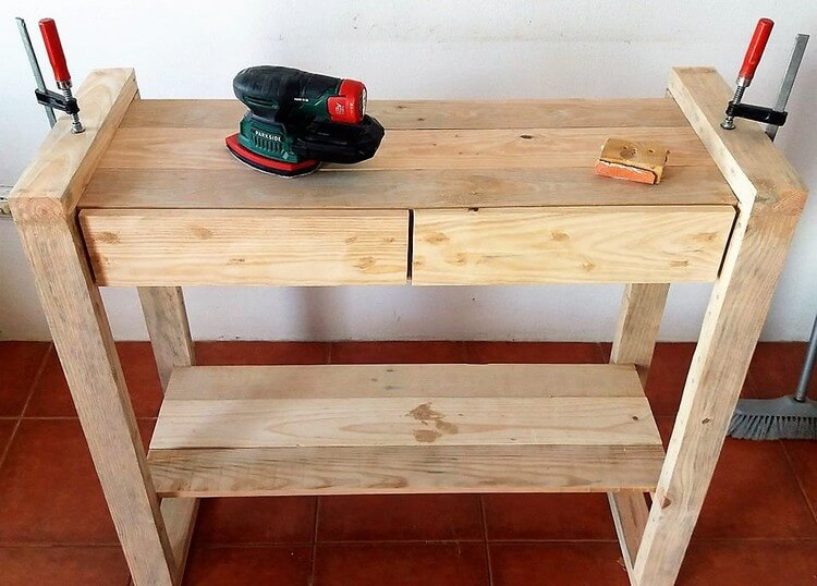 Pallet End Table Plan