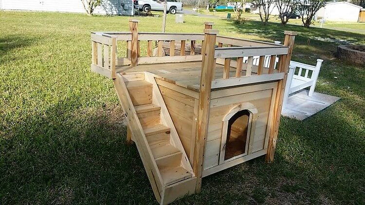 Wooden Pallet Pet House